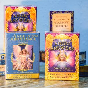 ORACLE & TAROT CARDS