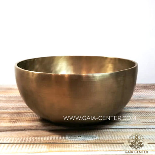 Tibetan Sining Bowl metal with zen style minimalistic gold color finishing. Great meditation and Sound Healing Therapy. Original top quality singing bowls from Nepal at GAIA CENTER | CYPRUS. Cyprus delivery to: Limassol, Paphos, Nicosia, Larnaca, Paralimni, Strovolos. Including provinces and small suburbs. Europe and International Worldwide shipping. Wholesale and Retail. Shop online for Singing Bowls: https://gaia-center.com
