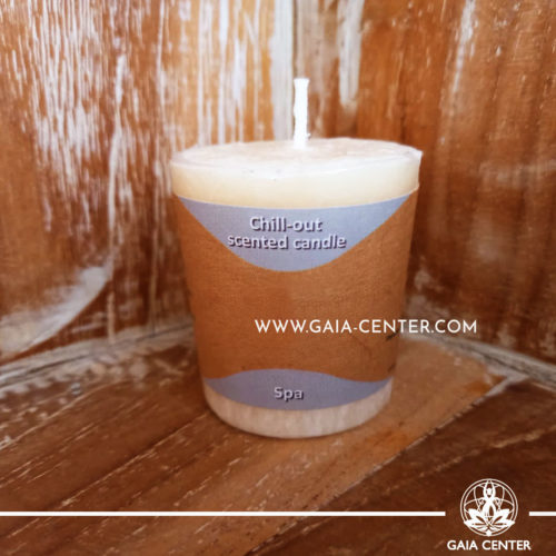 Natural Aroma Scented Perfumed candle Calm fragrant mix in white color. Made from 100% vegetable palm wax from sustainable farming. Scented with essential oils: mandarin, lavender. Natural Atmospheric chill-out candles selection at Gaia Center in Cyprus.